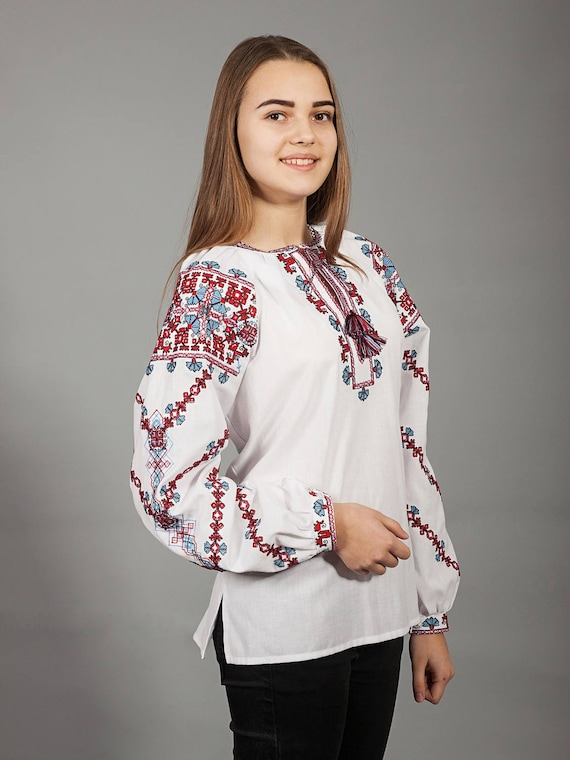 Traditional Ukrainian embroidered women/'s blouse Ethnic sorochka shirt Ukrainian clothes Embroidered blouse cross-stitch White vyshyvanka