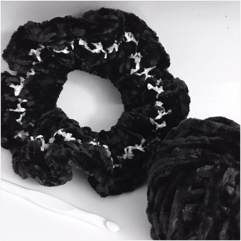 Beautiful Velvet Scrunchie Ying and Yang image 0