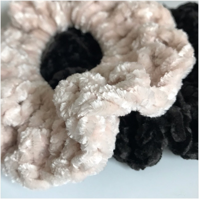 Blush Velvet Scrunchies image 0