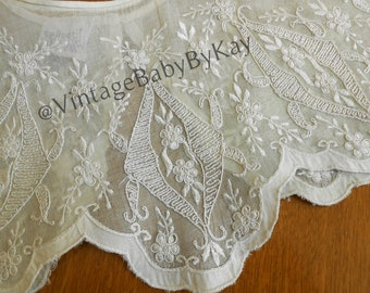 Embroidered Lacy Vintage Collar Pale Ivory with Button Closure, Cosplay Costume Design, 1980s Detachable Collar