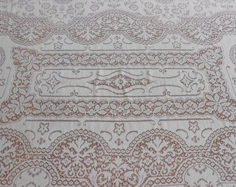 "Quaker Lace Tablecloth Vintage Table Linens Floral Design 47"" x 68"" Ivory Cream Lace Elegant Table Decor Made in USA Wedding Exc Condition"