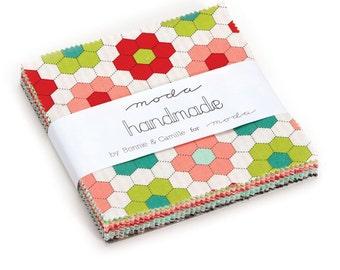 HANDMADE - Charm Pack by Bonnnie & Camille for Moda - 55140 - Metro - Modern