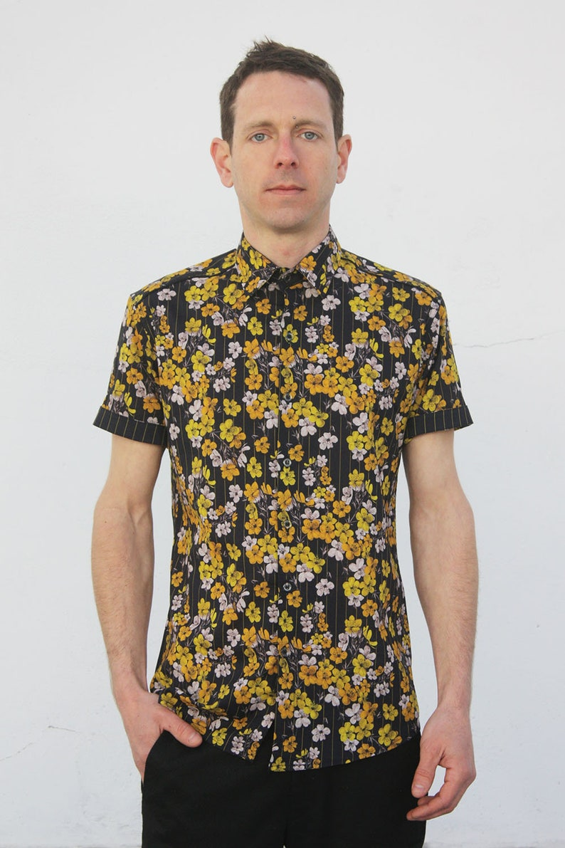 big sale f9904 0aa47 Gelbes Hemd Blumenmuster kurzarm - Kirschblüte - BAÏSAP