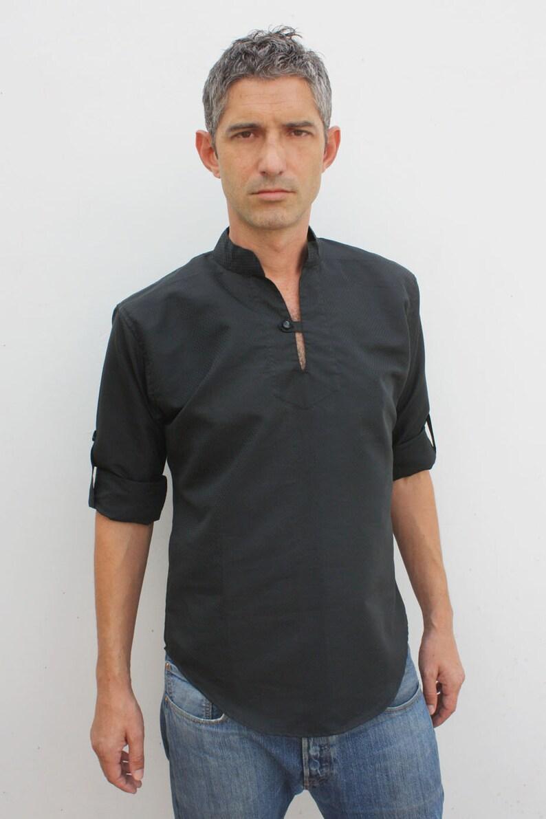 f187007a774 Camisa cuello mao negra Kurta Sagar BAÏSAP | Etsy