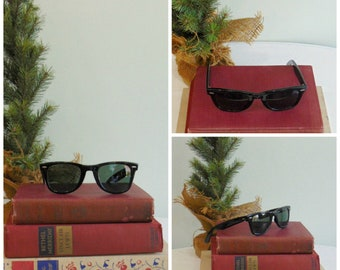 a2bd776866c 1980 s Black Ray Ban Wayfarer Sunglasses   B   L   Risky Business   Blues  Brothers   Vintage Sunglasses