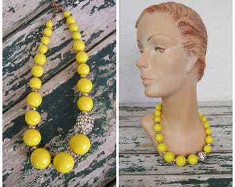 1960's Lemon Bright Necklace// Yellow// Rhinestone// Gold//