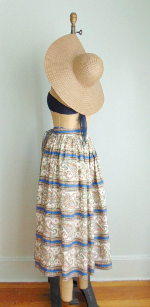 Vintage 1960's Paisley Print Skirt / Midi Length … - image 9