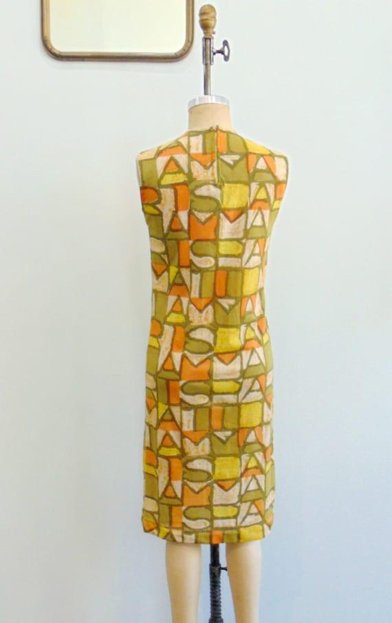 Vintage 1960's Mod Shift Dress / PARIS Print / Ol… - image 7