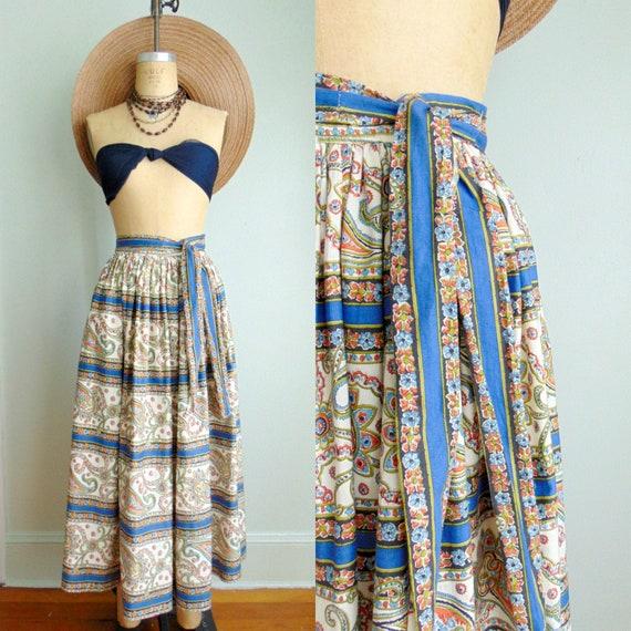 Vintage 1960's Paisley Print Skirt / Midi Length /