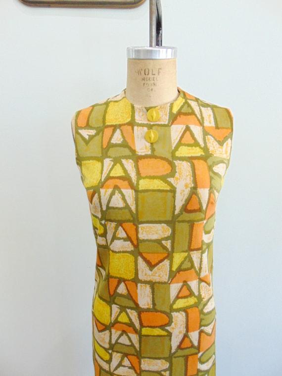 Vintage 1960's Mod Shift Dress / PARIS Print / Ol… - image 5
