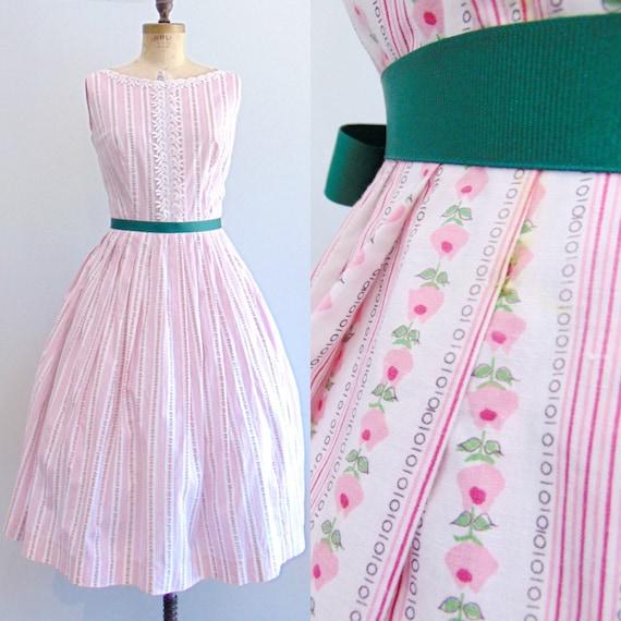 Vintage 1950's Floral Print Dress / Rose Striped P