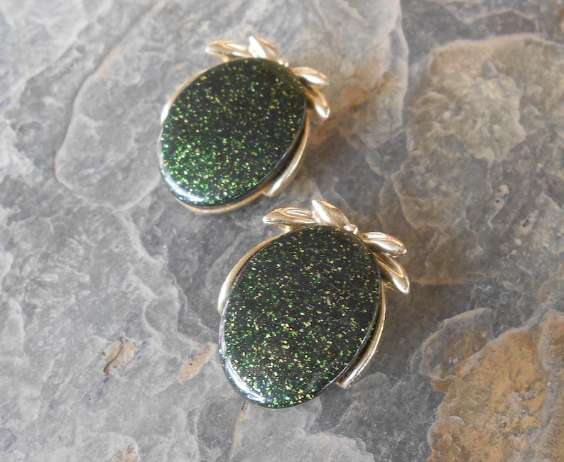 Vintage Gold Dust Sparkle Green Lucite Clip On Earrings
