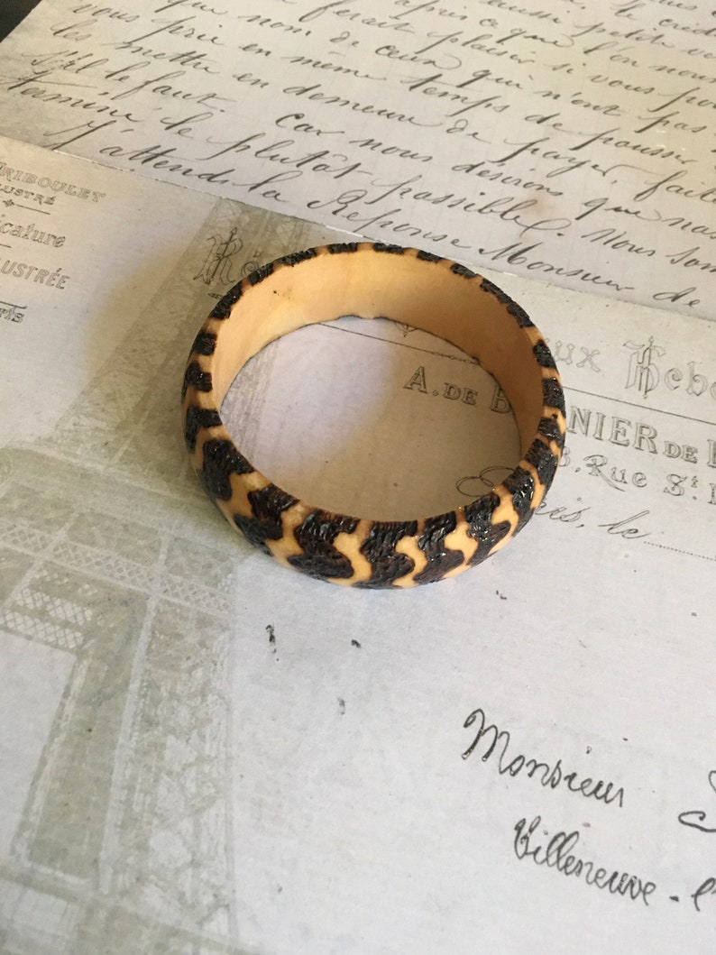 Wooden Jewellery Wooden Bangle with a thick Wavy Design using Pyrography and Resin