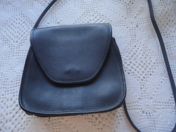 Vintage Navy Blue Crossbody Coach Thick Leather Ba