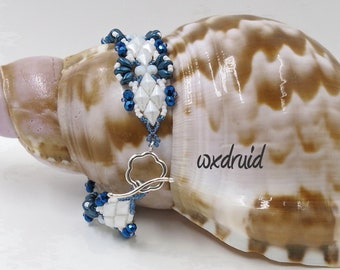 Diamond Beaded Bracelet w/ White Diamond Beads, Blue Superduo Beads, White and Blue Faceted 3mm Beads, Blue & White Seed Beads, Toggle Clasp