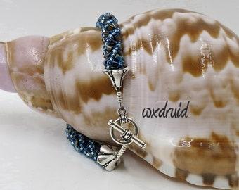 Russian Spiral Bracelet, Spiral Bracelet in Blue, Russian Spiral Bead Woven Bracelet, Round Toggle Bracelet, Bracelet with Triangle Beads