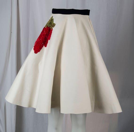 1950s white wool felt circle skirt with black velv
