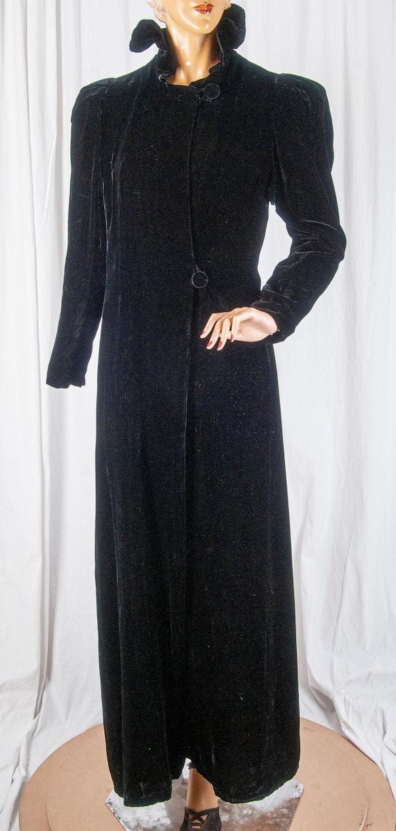 1930s Hollywood Glamour, True Vintage, black velve