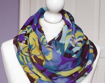 Infinity scarf // exotic print bleu green