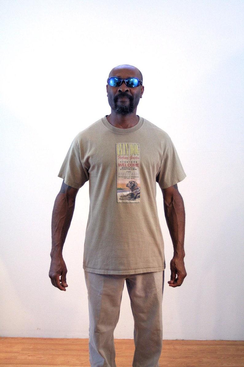 28a44baf 90s Lying Dog T-Shirt M Retro Fishing Big Fish Story Black | Etsy