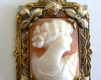Vintage Art Deco Very Pretty Shell Cameo Necklace Pendant Hand Carved