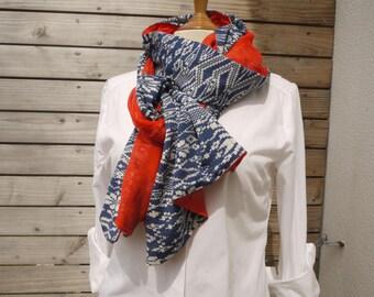 Cheche long foulard écharpe 2 faces différentes bleu marine blanc d un côté  voile de coton orange de l autre 740b2914fd4c