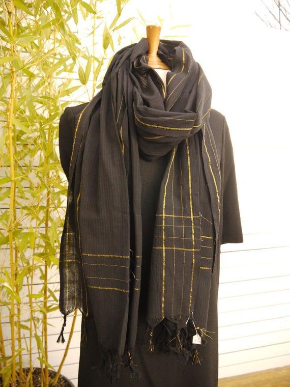 Très long foulard cheche coton noir et doré - grandes dimensions 050654f86ac8