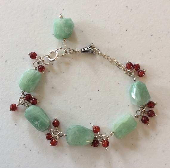 Green onyx and red agate sterling chain bracelet.