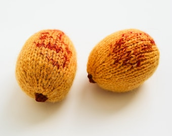 Apricots knitted food - pretend play fruits - woolen Waldorf toys - classroom educational toys - soft toy apricot play kitchen - photo prop