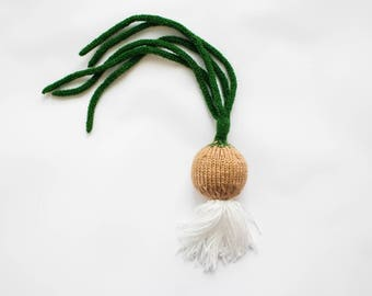 Knitted onion toy - educational Waldorf pretend play vegetables - play kitchen food - gift for gardener - green onion - soft toy for kids