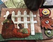 Fall Wool Applique Mug Rug Pattern - Applique Patterns - RCH WW 016 - Pumpkins and Pickets