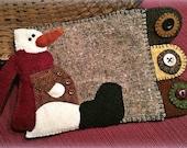 Snowman Wool Applique Mug Rug Pattern - Applique Patterns - RCH WW 007 - Manny Jo