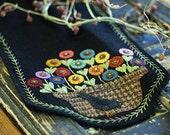 Summer Bird Wool Applique Table Runner Pattern PRI 524 - Flower Basket and Bird