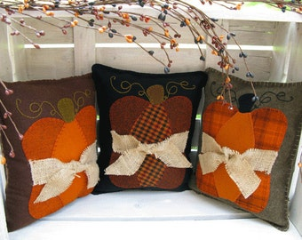 Pumpkin Pillow Wool Applique Pattern - Fall Pillows - Autumn pillows #108