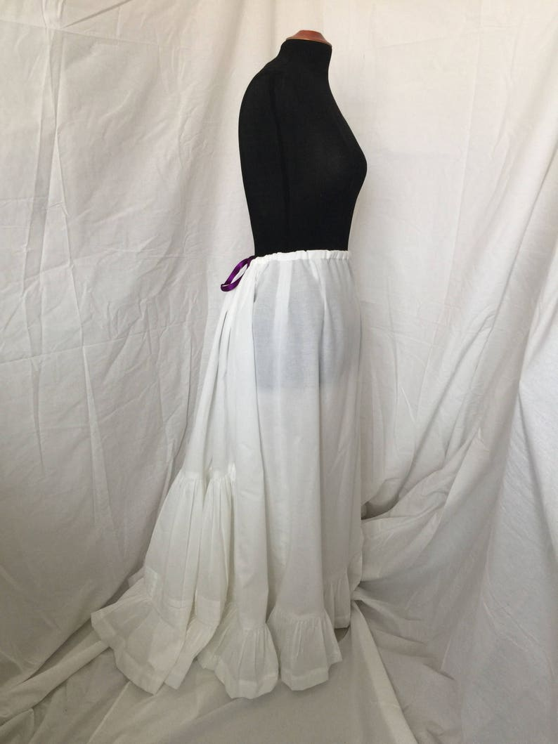Victorian Lingerie History – Corset, Chemise, Petticoats 1870s-1890s Victorian Belle Époque Ruffled Petticoat $135.00 AT vintagedancer.com