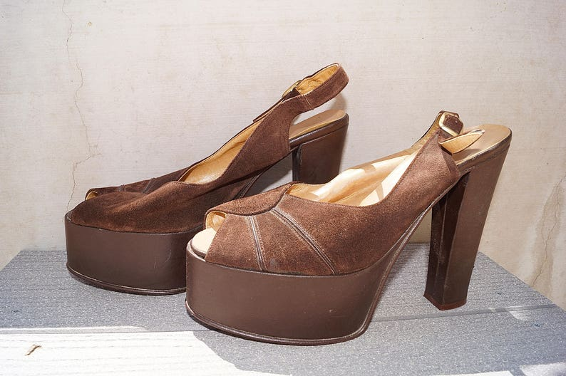 2b461424d6542 70s Sky High Platform Sandals / 1970s Brown Leather Platform Shoes / Suede  Peep Toe Platform Sandals Made in Italy Size 7.5