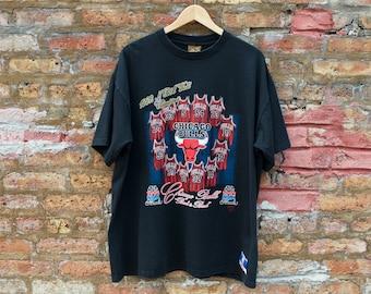 206898b446a54 Vintage 1992 NBA Finals Chicago Bulls T-Shirt | Black Jersey Roster Back to  Back Champions Shirt | Michael Jordan Scottie Pippen Era