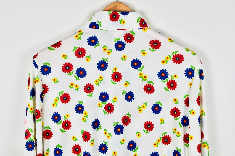 Patterned Woodstock Oxford Shirt Vintage 70s Flower Power Groovy Collared Blouse Floral 80s Arnel Triacetate White Button Up Top