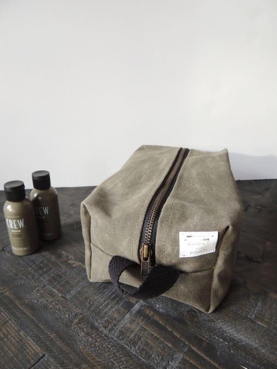 95f0d7107ce Vegan Men s Shave Bag Waxed Canvas Dopp Kit Men s   Etsy
