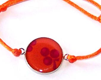 """Bracelet hand made resin Carolune Funky """"Cherries"""", adjustable, mounted on a colorful satin cord"""