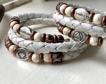 AA NA recovery sobriety bracelet, white leather alcoholics narcotics anonymous recovery bracelet, sponsor gift, gratitude charm bracelet