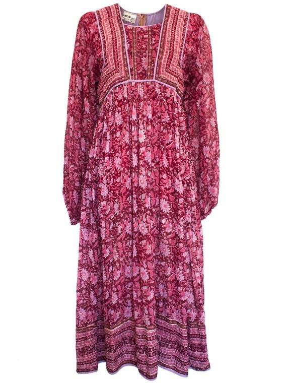 Vintage 60s / 70s Zodiac Indian Floral Cotton Gauz