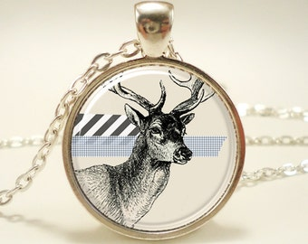 Deer Necklace, Vintage Style Woodland Jewelry, animal jewelry, christmas gift (0567S1IN)