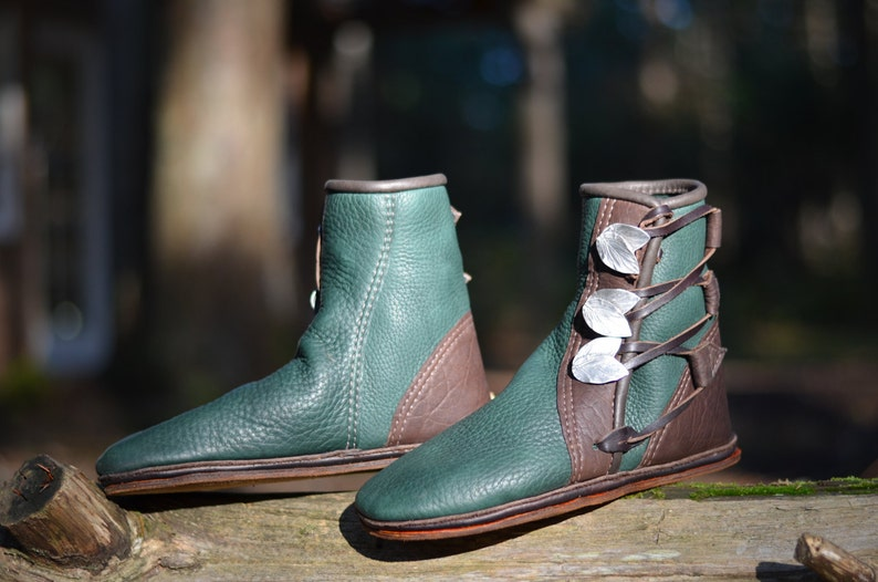 0afa4de2c86 Green Elf Moccasins Elven Moccasin Boots Earthing Shoes