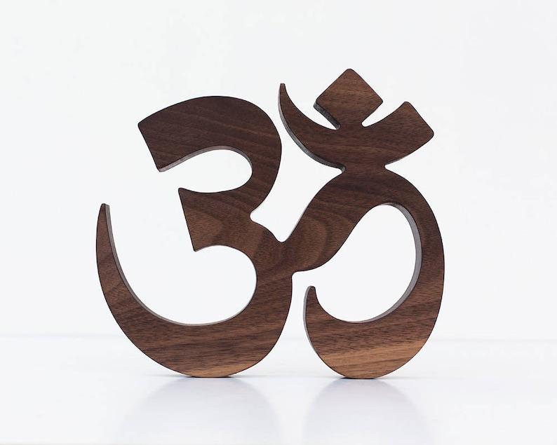 Nussbaum Om Yoga Zeichen Yoga Wand Dekor Yoga Geschenke Etsy