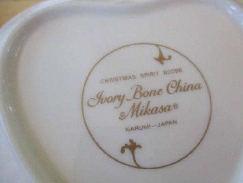 Gorgeous Mikasa Christmas Spirit Heart Shaped 6 inch Bone China  Candy Dish Very good discontinued holiday heart dish Mikasa China Galore