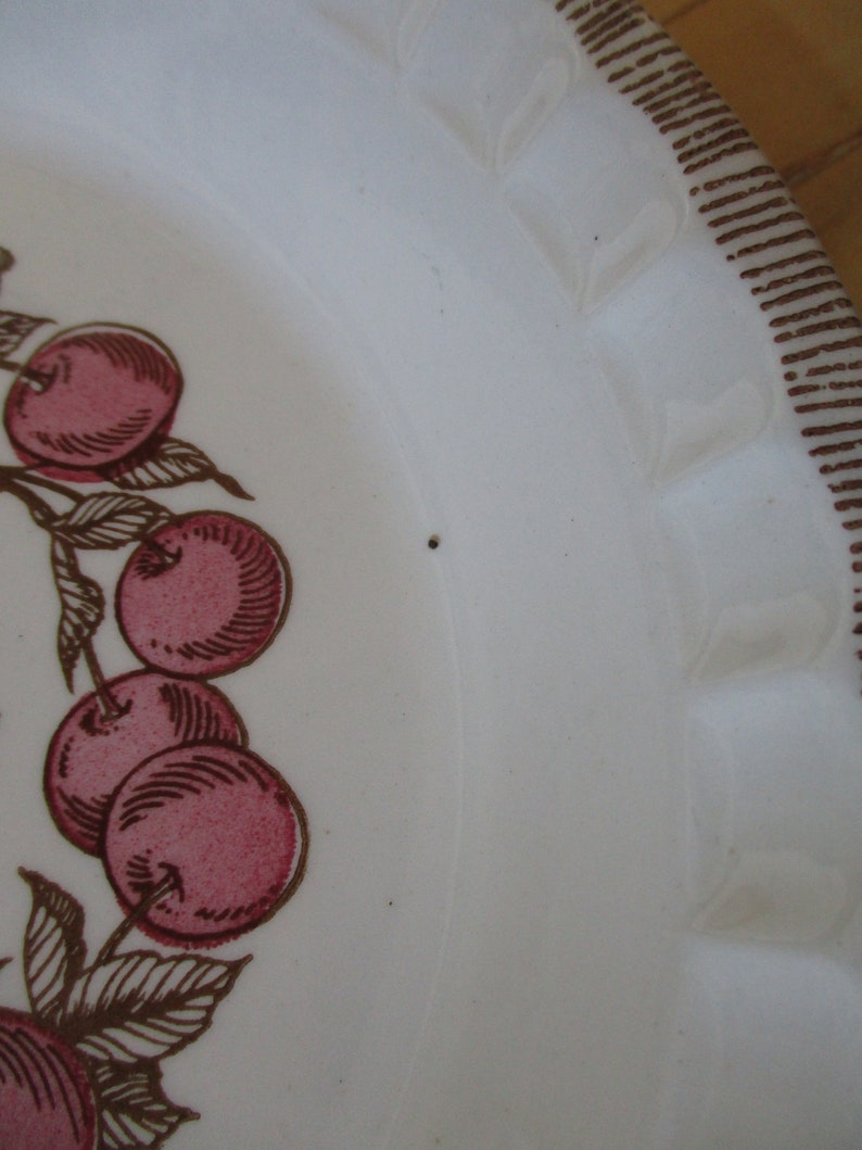 Gifts for chefs Very good Royal  ChinaJeanette Cherry  Pie Bake and Serve Pan, China Galore Retro shabby boho kitchen decor