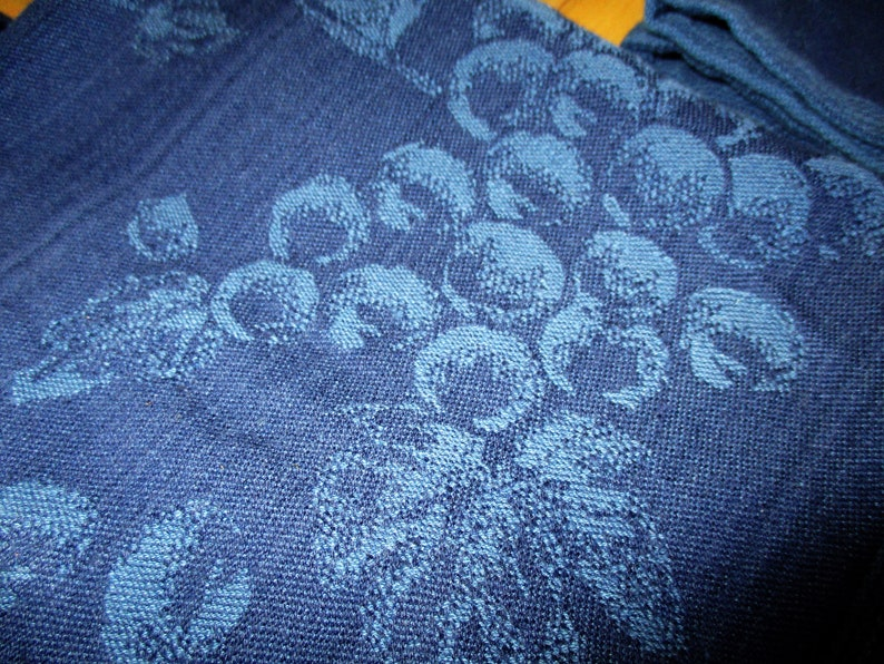 Dark blue concord grapes Blue kitchen Clean and soft Very Good China Galore Vintage Cotton Blue Napkins India