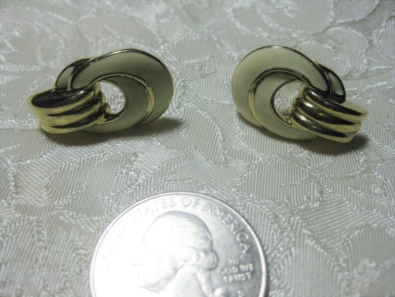 Vintage Trifari Pierced Enamel Goldtone Boho Mod earrings Very good no condition issues