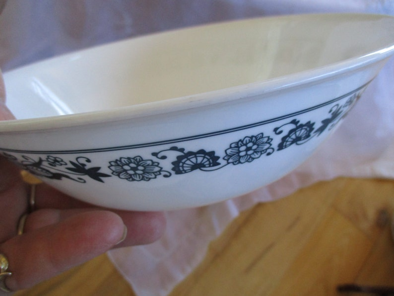 8.5 inches at rim Very good minor utensil marks Corelle Blue Onion Coupe Vegetable bowl  Very good